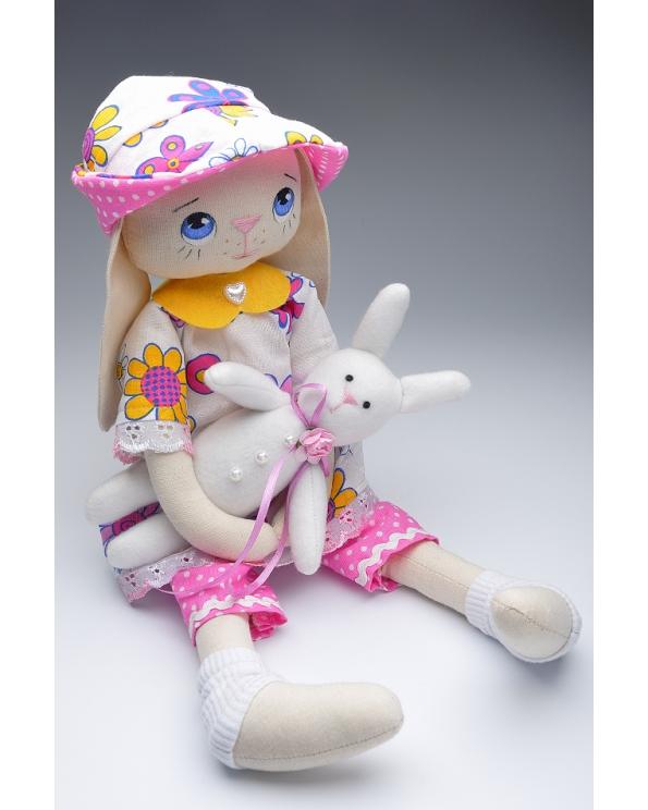 "Кукла интерьерная ""Зайчиха"""
